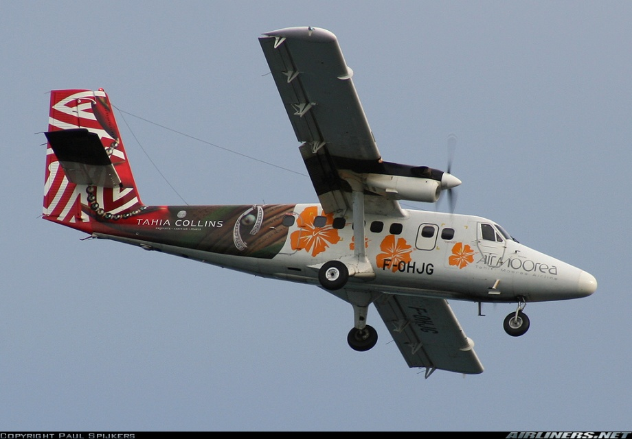 Another Air Moorea Twin Otter