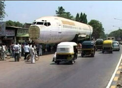 B737 Left Behind On A Mumbai Road