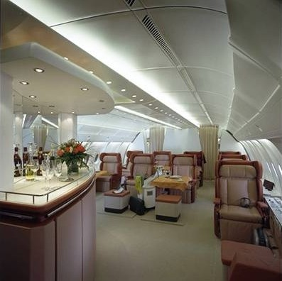 Possible cabin configurations of the airbus a380 interior for Airbus a380 emirates interior