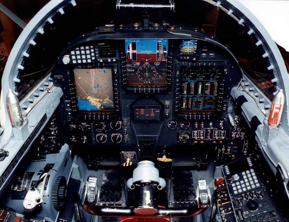 http://airlineworld.files.wordpress.com/2007/10/u2_cockpit.jpg