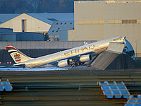 Etihad A340 in incident at Toulouse, France (C by Airliners.net)