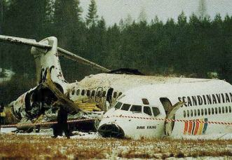 SAS MD80 after crash landing - EVERYBODY survived, due to quick and proper instructions by the flight attendants and due to everybody following those!
