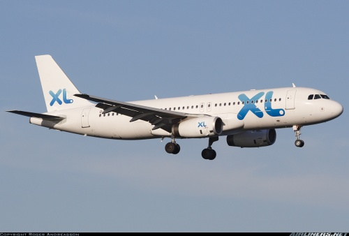 The Airbus A320 in XL Airways colors and registration