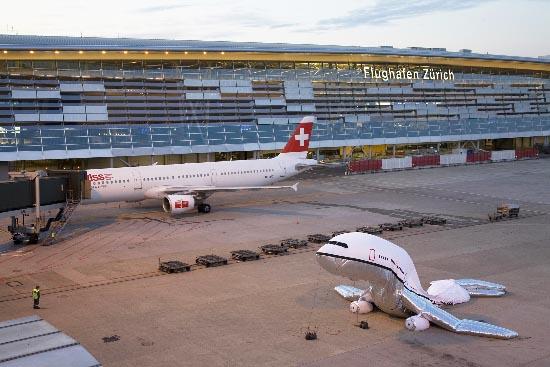 plane_landing_zurich3 fun airline world,Funny Airplane Landing