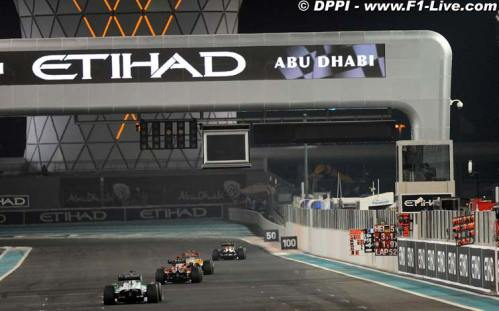Etihad Airways trackside advertisement at Yas Marina circuit at 2009 Formula-1 Abu Dhabi Grand Prix